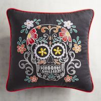 Best 20+ Skull Pillow ideas on Pinterest   Skull bedroom ...