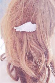 pastel glittery white angel wing