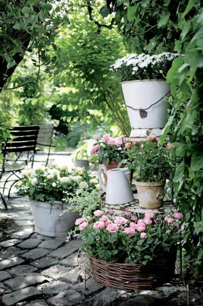 Vin E Deko Lasst Den Garten Charmanter Und Weiblicher Erscheinen