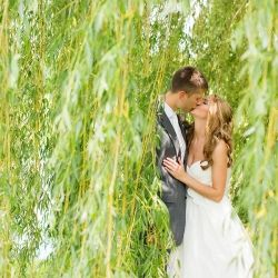 Romantic wedding portraits underneath a willow tree! Perfect summer wedding phot