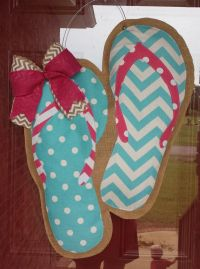 25+ best ideas about Burlap Door Hangers on Pinterest ...