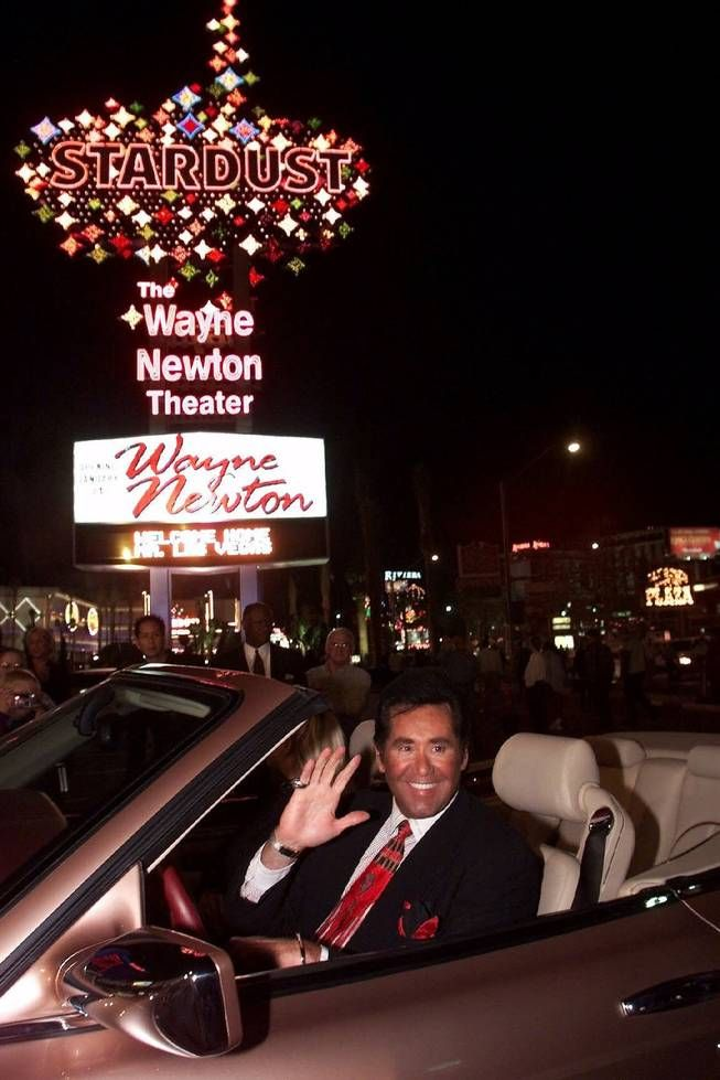 Wayne Newton beneath the Stardust marquee I saw this show