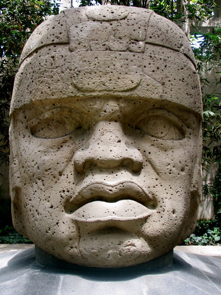 2 These Giant Head Sculptures Were Created By The Ancient