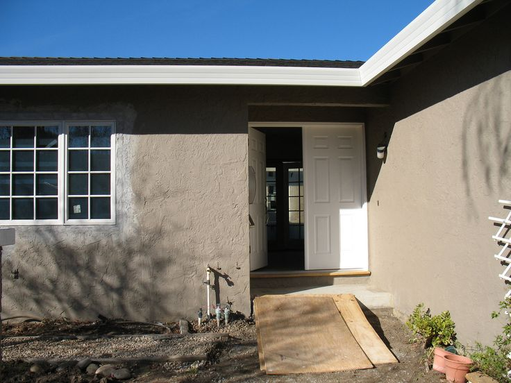The Exterior Paint Color Is Dunn Edwards Bison Beige