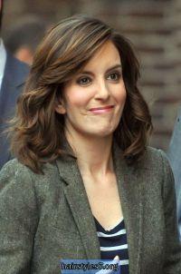 Tina Feys brunette, shoulder-length hairstyles, versatile ...