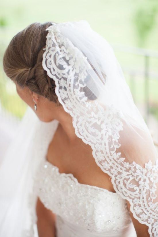 beautiful handmade veil | Elegant Vineyard Wedding | Erin Forehand Photography | Heart Love Weddings: