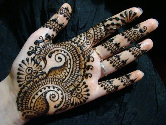Watch HD Mehndi Designs Pictures