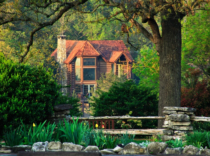 Private cabins are tucked away in the Ozark Mountains to