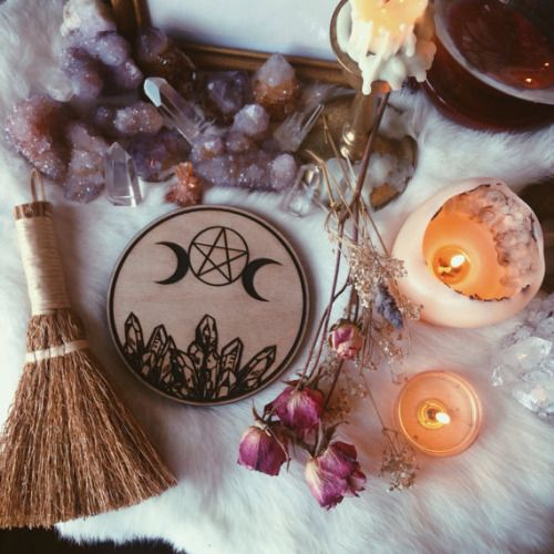 The Yellow Wallpaper Quotes About Her Journal Craft Of The Witch Magick Pinterest Crafts Quartz