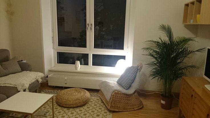 2 chairs and table rattan steelcase gesture chair wohnzimmer mit ikea alseda hocker und ps gullholmen sessel   pinterest ...