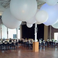 25+ best ideas about Balloon ceiling decorations on ...