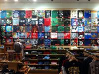 27 best images about T-Shirt Displays on Pinterest | Cube ...