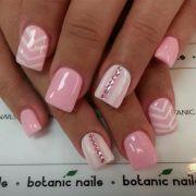 chevron acrylic nails