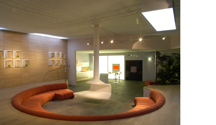 Fluid House A Circular Conversation Pit Finished With A Contract Sofa By Saporiti Is Neatly