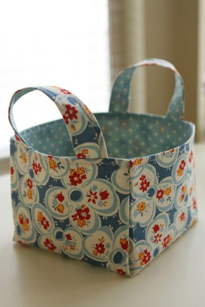 Fabric Basket tutorial – great for organizing everything – blogger uses this one