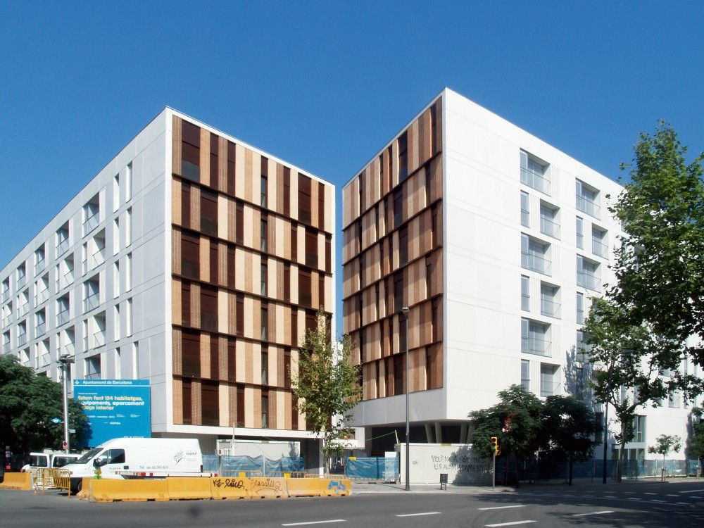 154 Rental Social Housing And Public Building For The Barcelona