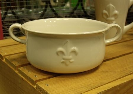 i need to decorate my living room paint for a fleur de lis double handle gumbo bowl   heart ...