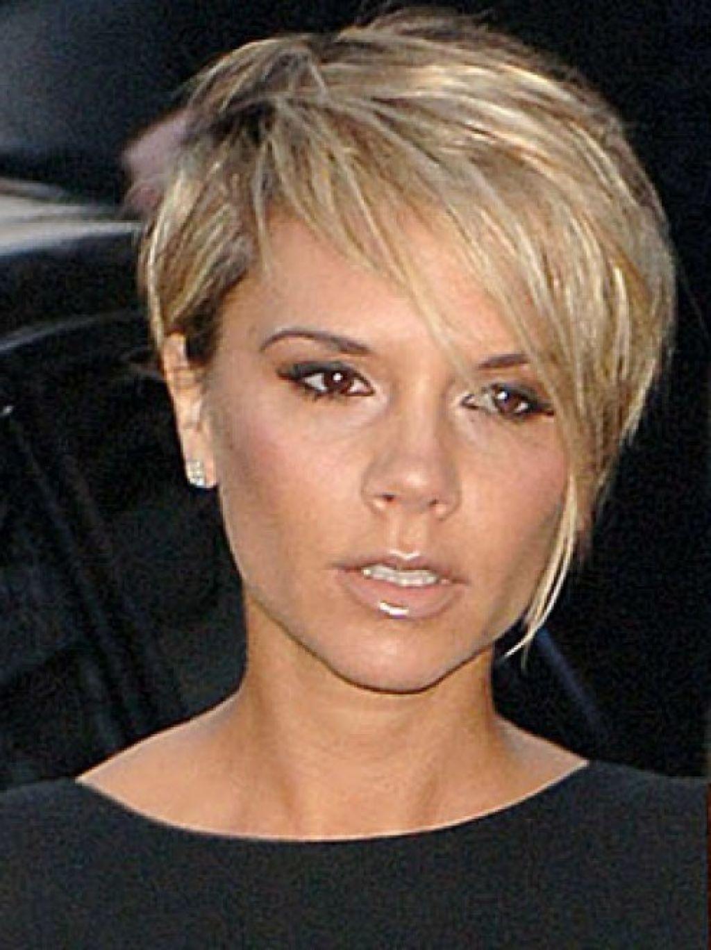 Victoria Beckham Pixie Cut Blonde Google Search Coiffure
