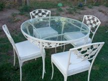 Brown Jordan Ivy Pattern Patio Table And 4 Chairs