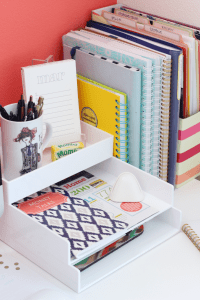 All kinds of cute yet simple desk and office organizing ...