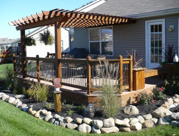 landscaping deck privacy