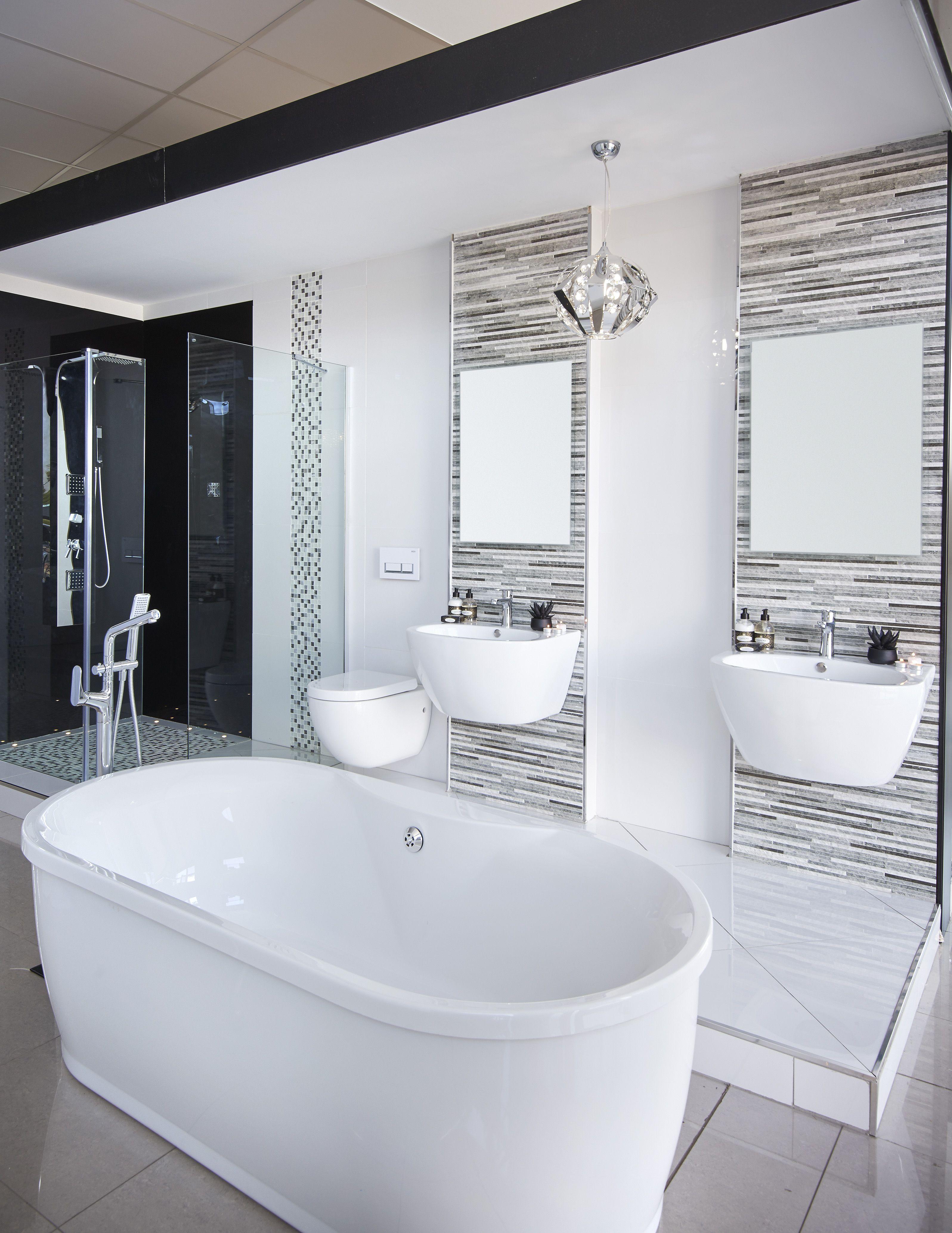 Beautiful modern bathroom freestanding bath blackandwhite shower bathroom bizarre