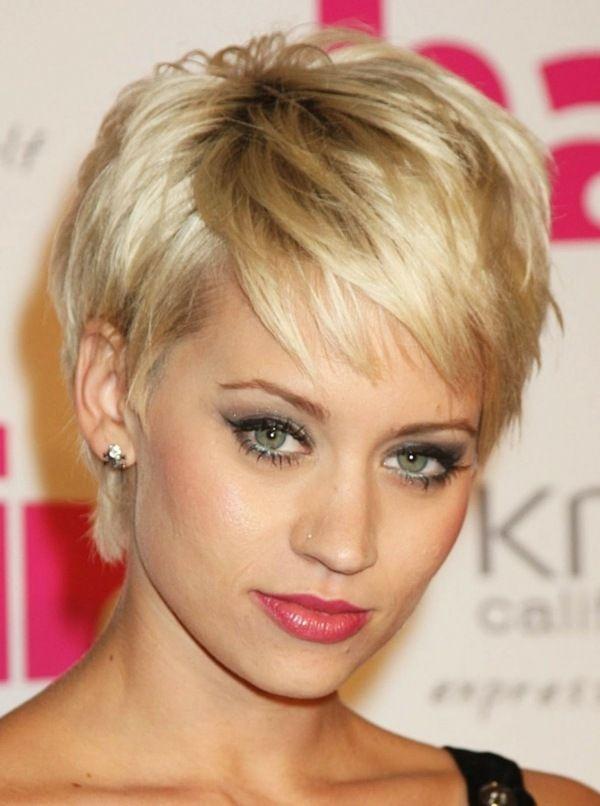 Blonde Kurze Haare Mit Pony Frisuren Pinterest Blonde Kurze