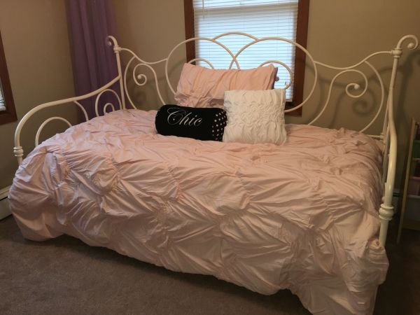 Daybed With Trundle And Light Pink Bedding Set Target