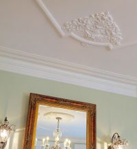 large decorative molding corner on the ceiling   Millwork ...