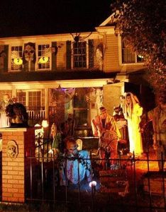 Scary halloween house decorations also decorative accessories rh au pinterest