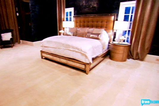Rhoa Kandi Burruss Bedroom Decor Like The Idea Of Dark Walls And Light