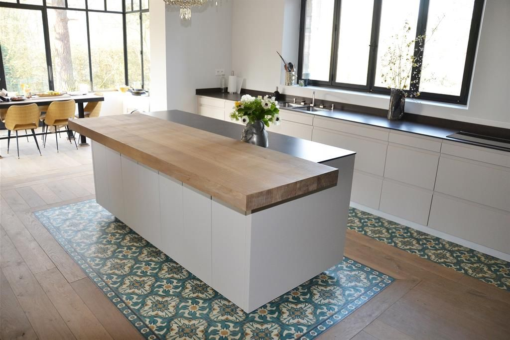 awesome cuisine ouverte sur salon parquet cuisine ouverte cuisine longueur ouverte careaux de. Black Bedroom Furniture Sets. Home Design Ideas
