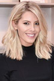 bleach blonde short hairstyles