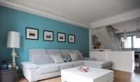 ocean blue walls living room