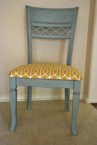 I painted my kitchen chairs with Annie Sloan chalk paint ...