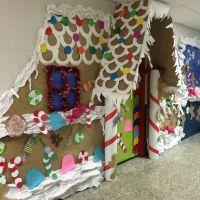 Gingerbread door decorating contest! | Bulletin Boards ...