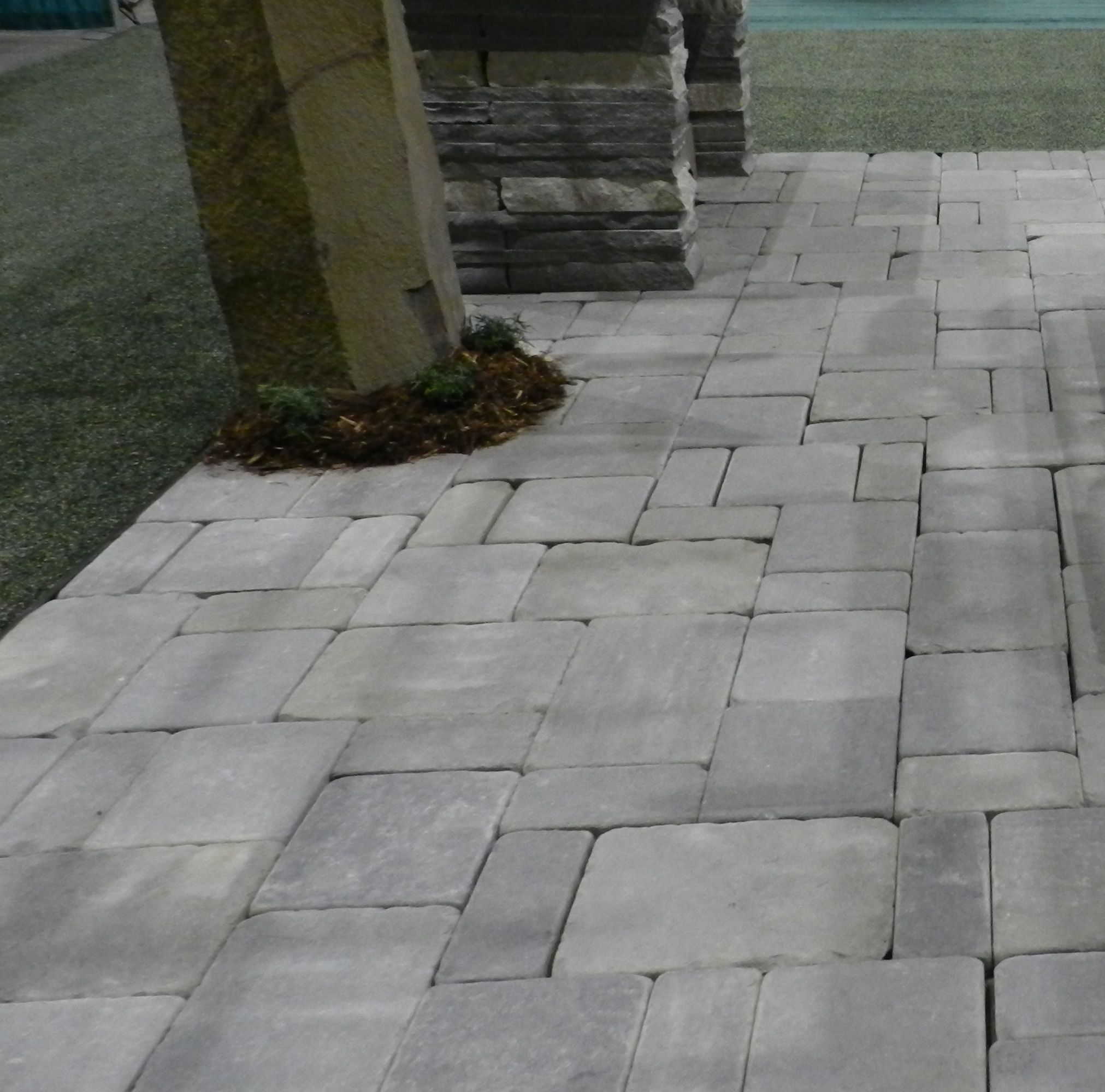 Tumbled Bluestone Patio Pavers