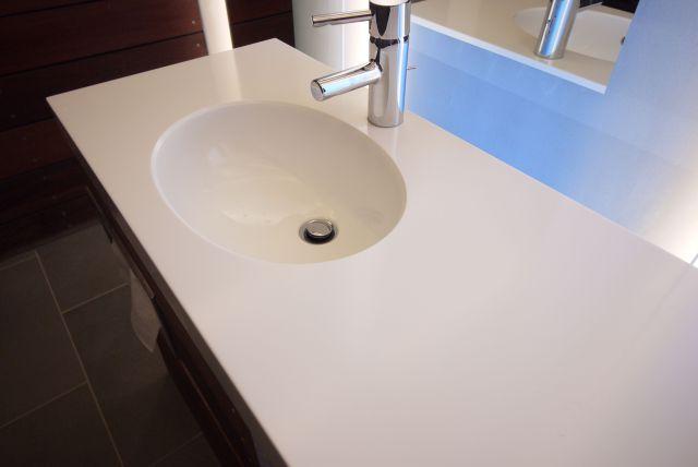 Corian colour Glacier White Application Vanity top with tile