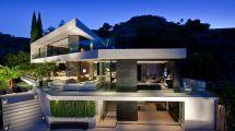 Modern Hollywood Hills Mansion