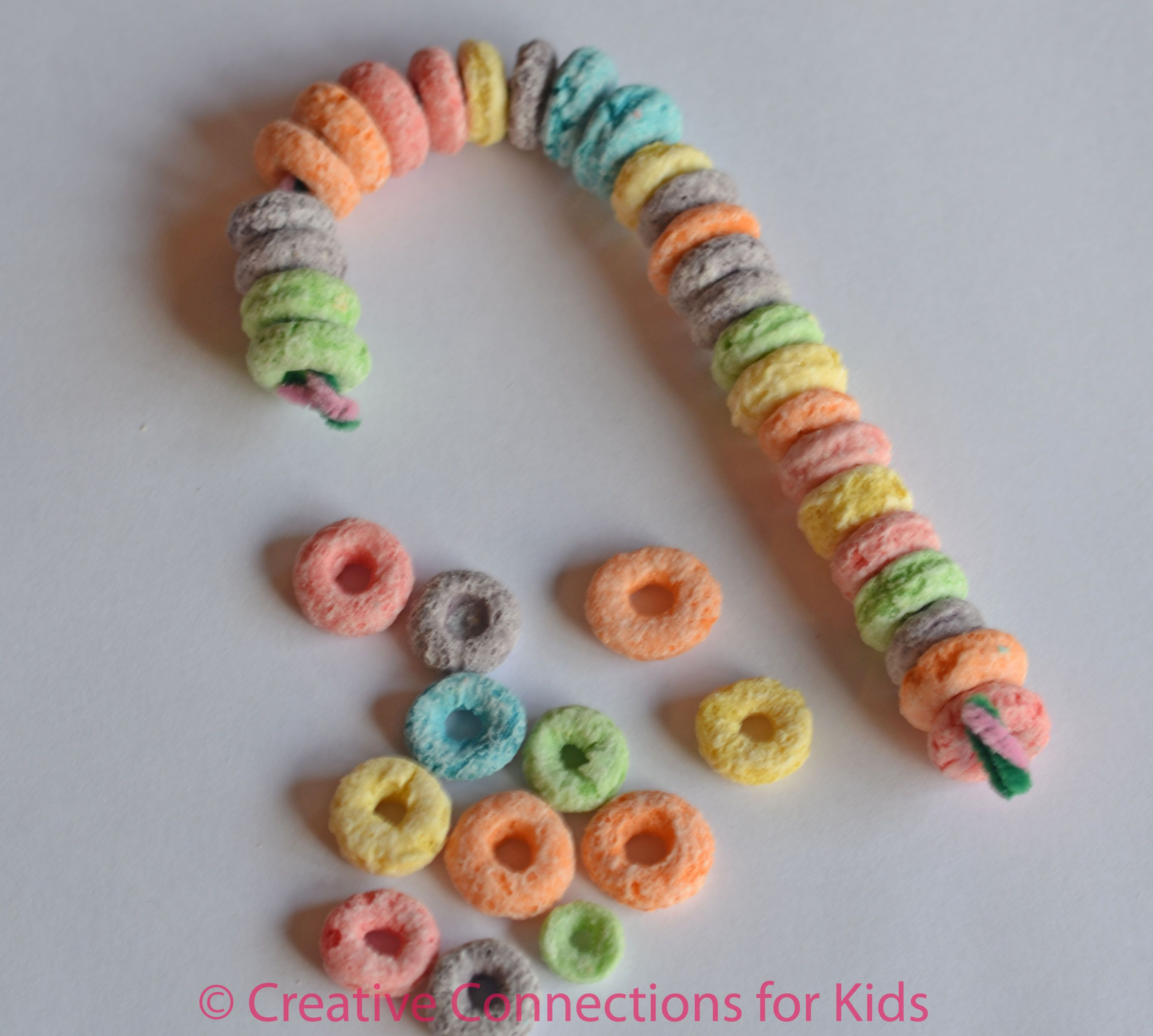 Love This Christmas Candy Cane Craft Idea That Ll Keep Them Busy For At Least 10 Minutes