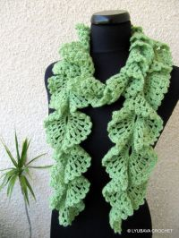 free crochet ruffled scarf patterns