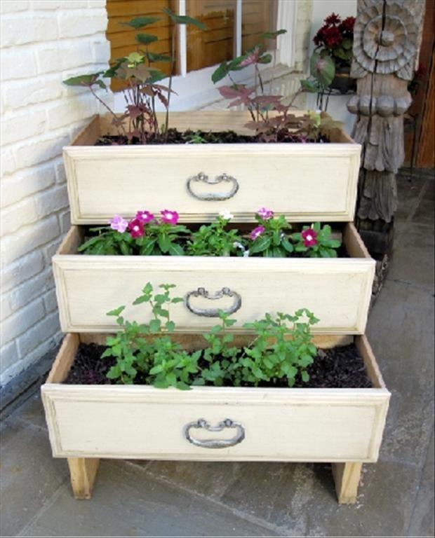 Garden Craft Ideas Stair Frame Old Dresser Drawer = Unique