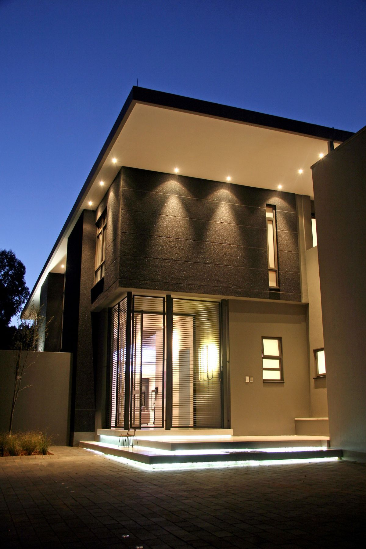 Luxury And Large Contemporary House Nice Lighting Kitchen