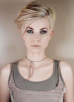 Kurze Haare Bei Frauen Stylen 2015 Videos Kurze Haare Bei Frauen