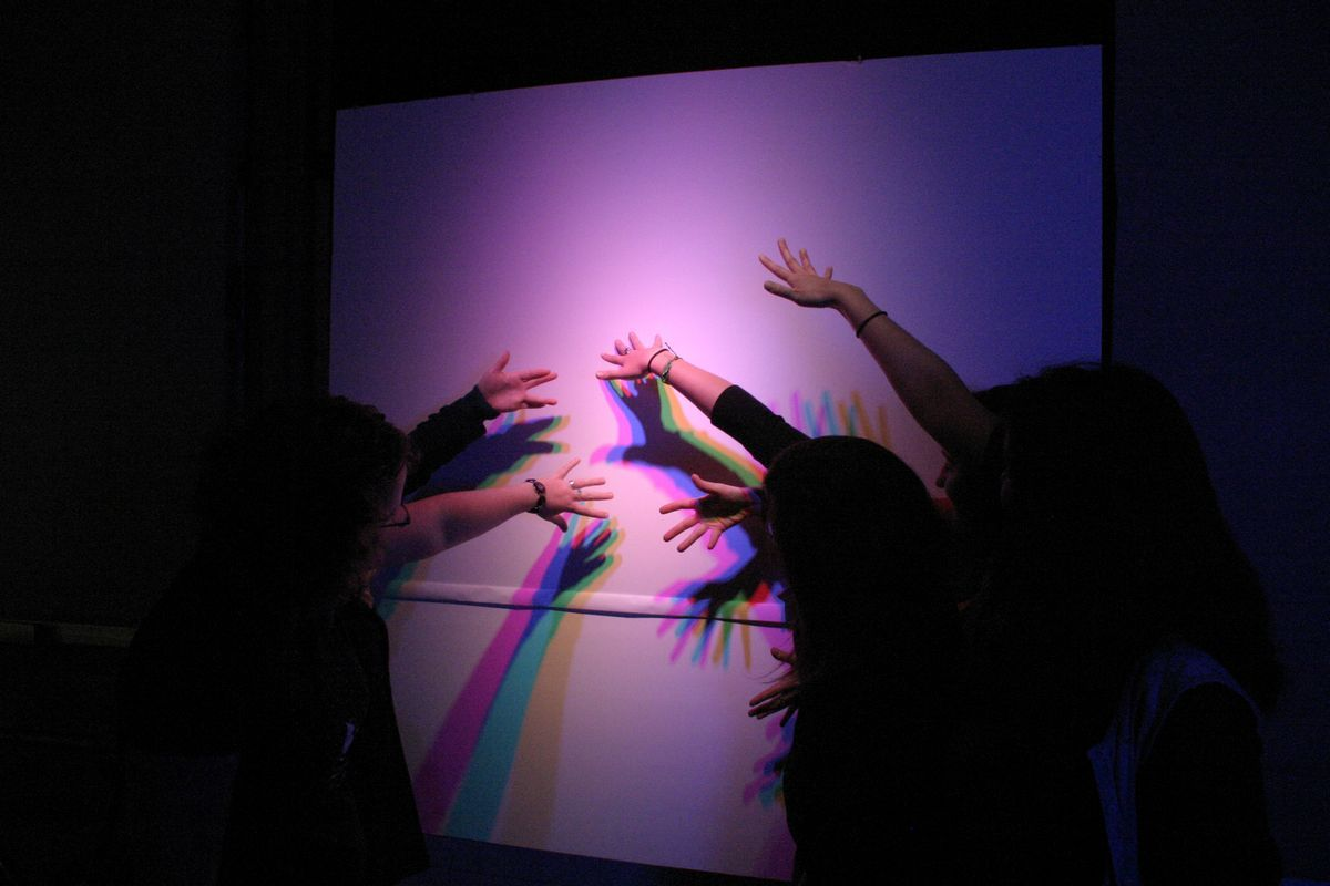 Students Demonstrate Light And Shadows
