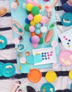 Diy balloon centerpiece centerpiecescenterpiece ideasrainbow centerpiececentrepieces th birthdaybirthday also centerpieces and rh pinterest
