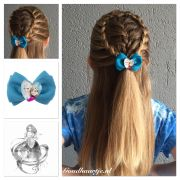 halfup hairstyle with cute frozen