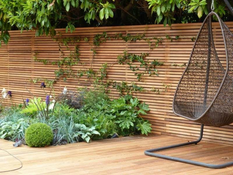 Sichtschutz Zaun Holz Material Minimalistisch Beet Pflanzen