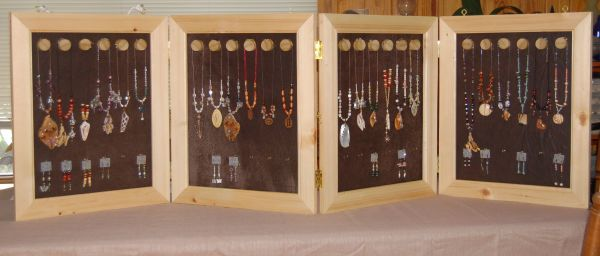 Handcrafted-jewelry-display-case Portable And Light