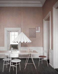 Design scandinavo raffinato  pulito lampadario bianco pareti in rosa antico scandinavian also stil inspiration home pinterest wall colors walls and interiors rh